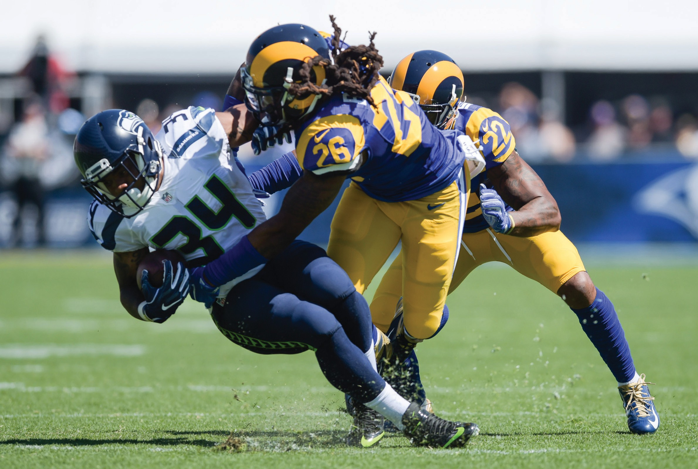 Get a summary of the Los Angeles Rams vs Oakland Raiders football game