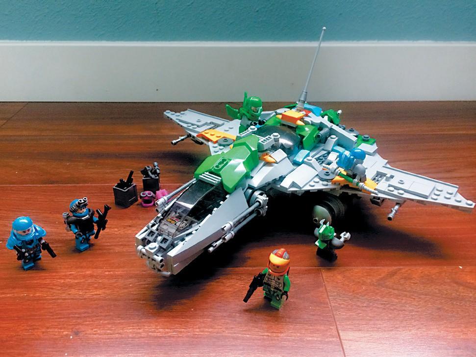 Created by Ethan H TECHNOLOGICAL MARVEL—Starship maintenance.